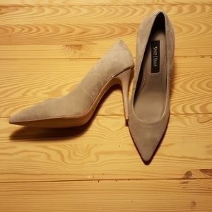 WHBM Olivia grey suede pumps size 6M